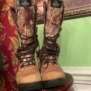 Men's RedHead hunting boot size 12 W.